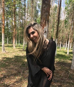 Silvana Salazar - Clipe Vagabundo 33